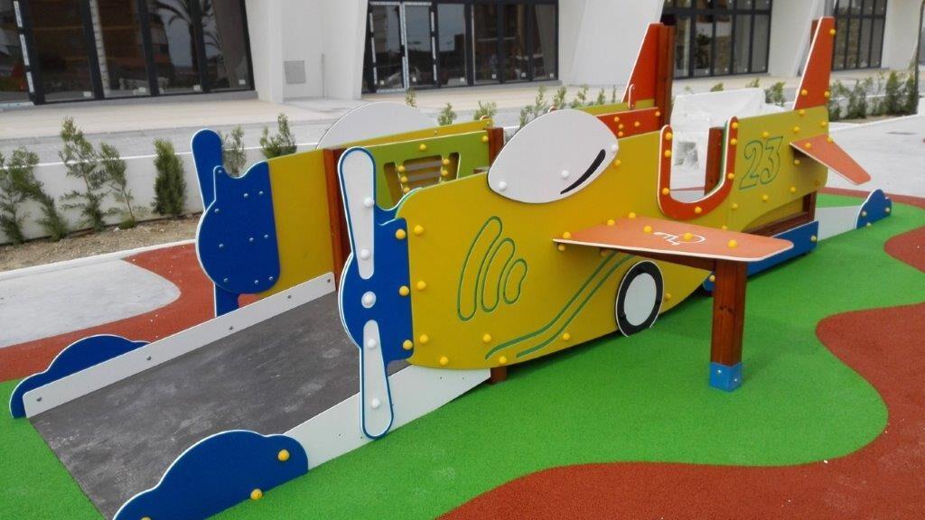 201782995044avion mosser parque infantil accesible